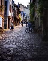 Un petit tour dans la Rue du J…