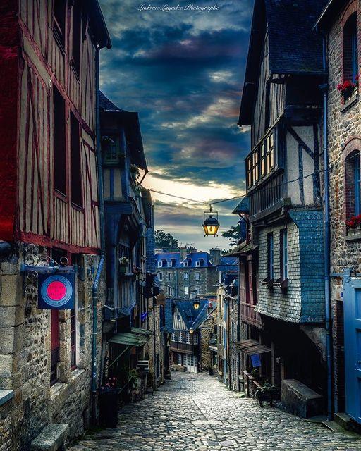 Dinan  La rue du Jerzual en…